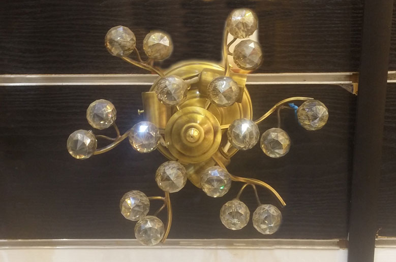 لوستر-سقفی-مدل-134-3-شعله-طلایی