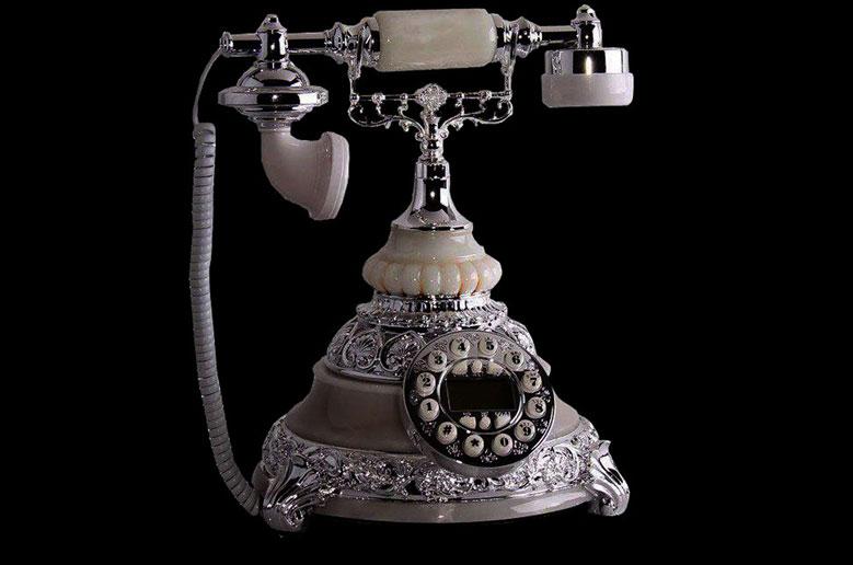 تلفن-چوبی-قدیمی-f5g
