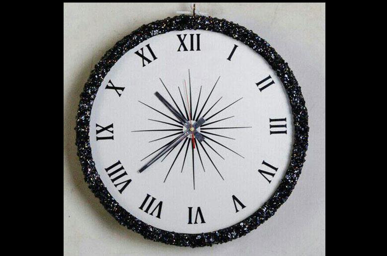 ساعت-دیواری-سفید-مشکی-9036