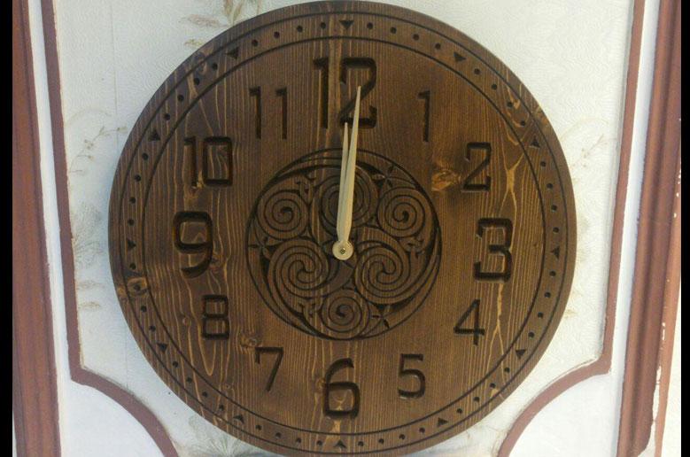 ساعت چوبی دیواری مدل آتن