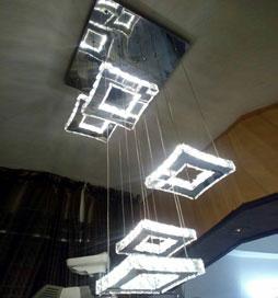 چراغ آویز مدرن کریستالی پنج مربع