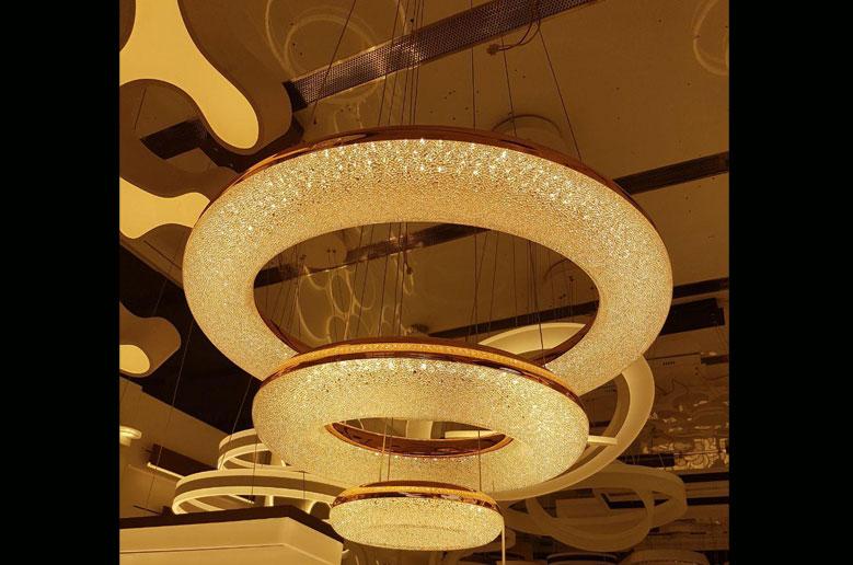 چراغ آویز مدرن سه طبقه 2002