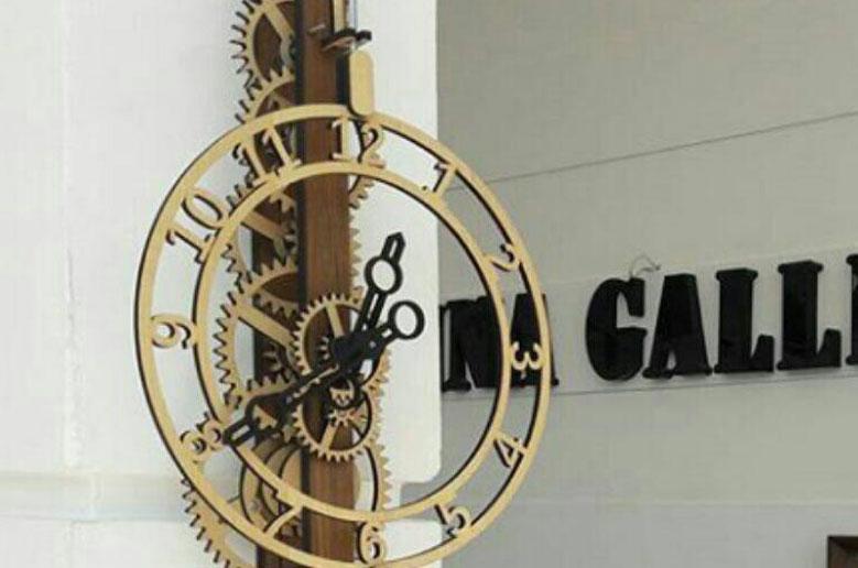 ساعت دیواری مکانیک
